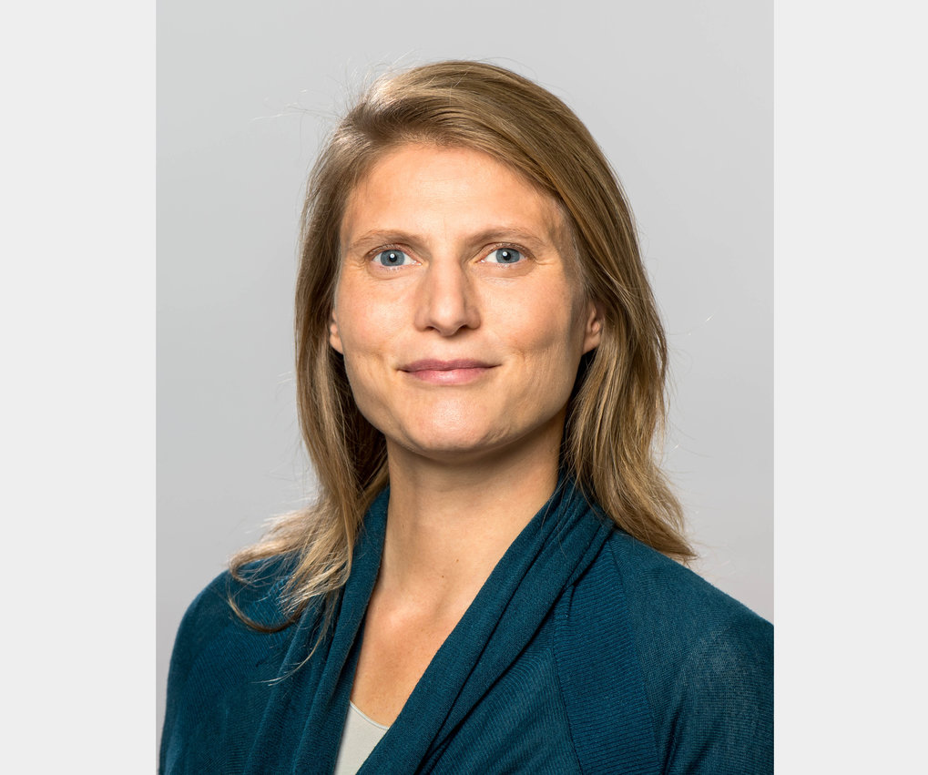 "Anna Baumert has been selected as the 2020 winner of the joint award of the European Association of Social Psychology (EASP) and  the European Association of Personality Psychology (EAPP) for her ""Outstanding Contribution to European Social and Personality Psychology"". Congratulations to Anna Baumert!"