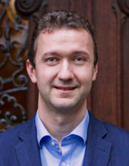 Dr. Dominik Grafenhofer